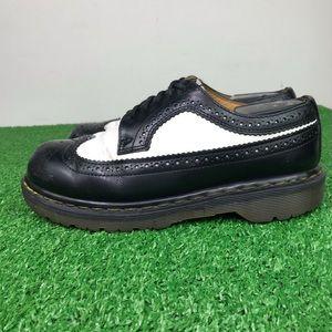Vntg Dr. Martens 3989 Brogue Wingtip Leather Shoe